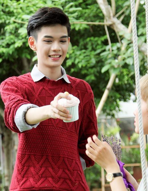 Đào Bá Lộc trả đũa Tuyền Tăng vì bị cô nàng nựng má