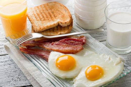Một bữa sáng giàu protein là cách tốt nhất để giảm cân và đảm bảo sức khỏe.