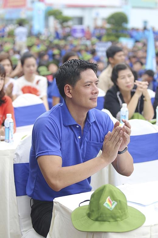 Lê Hoàng (The Men) bí mật làm quà tặng con trai - Tin sao Viet - Tin tuc sao Viet - Scandal sao Viet - Tin tuc cua Sao - Tin cua Sao