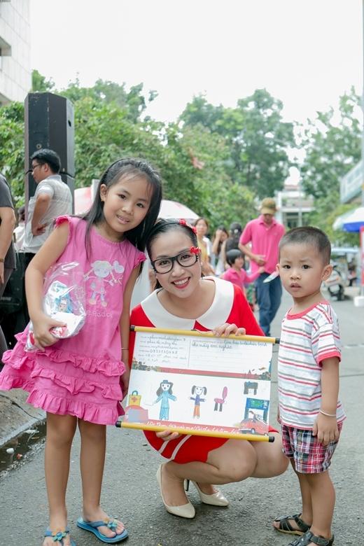 Ốc Thanh Vân nhí nhảnh vẽ ước mơ cùng các bé - Tin sao Viet - Tin tuc sao Viet - Scandal sao Viet - Tin tuc cua Sao - Tin cua Sao
