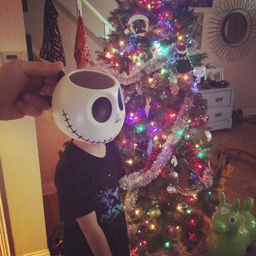 Xác ướp chuẩn bị đón Noel.