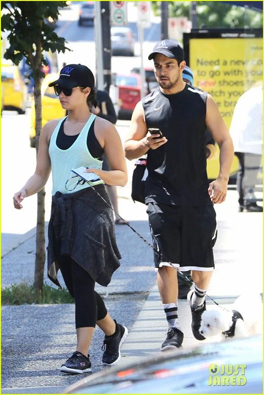Demi Lovato dẹp tan tin đồn đính hôn