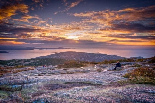 Vườn quốc gia Acadia là công viên lâu đời nhất ở phía đông sông Mississippi. Ở vùng núi này, bạn có thể ngắm nhiều khung cảnh đẹp tuyệt của biển Atlantic.