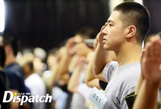 Yunho (DBSK) ngậm ngùi chia tay fan lên đường nhập ngũ