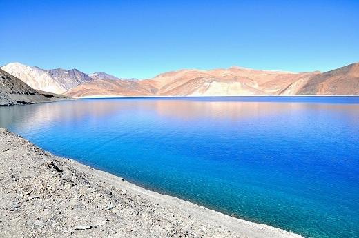 Khoảng thời gian từ tháng năm đến tháng tám là mùa cao điểm để du lịchLadakh.