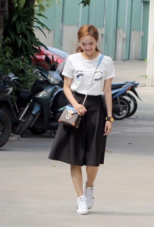 Săn lùng hai họa tiết thời trang đang hớp hồn sao Việt