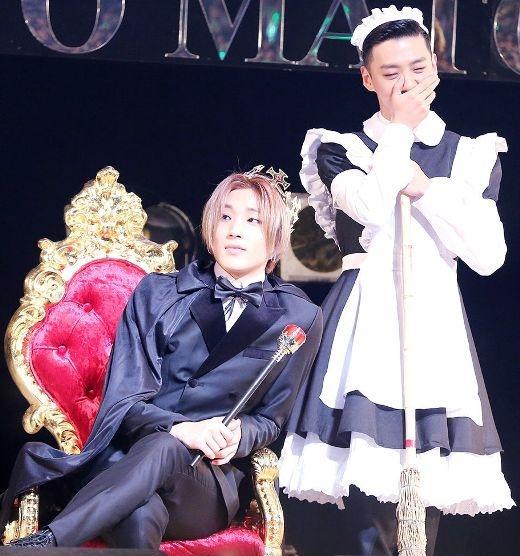 Té ghế với những cô hầu gái nam tính nhất làng nhạc Kpop