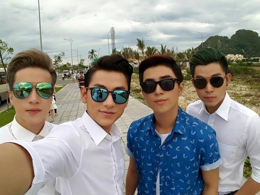 Hình ảnh cả 4 thành viên 365 chụp cùng nhau được Isaac đăng tải. - Tin sao Viet - Tin tuc sao Viet - Scandal sao Viet - Tin tuc cua Sao - Tin cua Sao