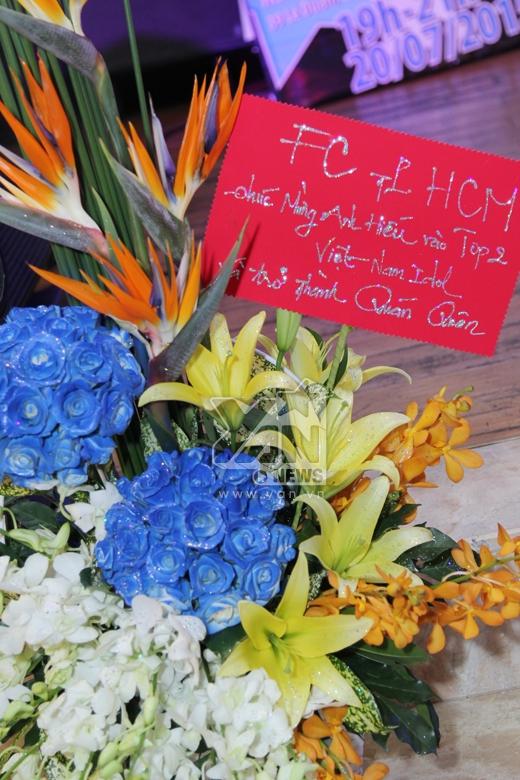 Anh nhận được rất nhiều hoa từ phía khán giả - Tin sao Viet - Tin tuc sao Viet - Scandal sao Viet - Tin tuc cua Sao - Tin cua Sao