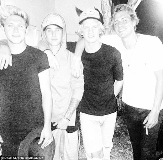 Justin Bieber tiếp tục dính nghi án sử dụng chất kích thích cùng One Direction