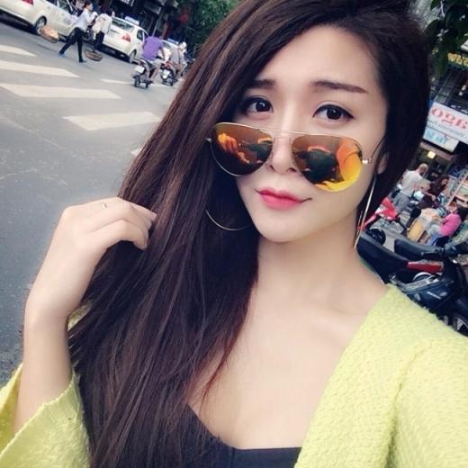 4 hot girl Việt luôn tự tin xinh nhờ... dao kéo