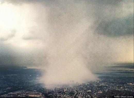 Một hình ảnh về mưa được chụp trên máy bay cách đây khá lâu.