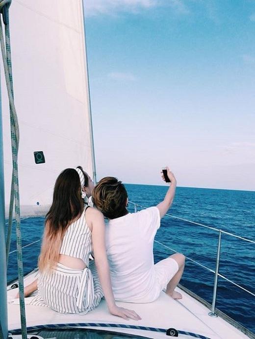 Dành trọn cho nhau những ngày hè ít ỏi, cả hai cùng nhau trải qua những giây phút vui vẻ và thoải mái ở Châu Âu. - Tin sao Viet - Tin tuc sao Viet - Scandal sao Viet - Tin tuc cua Sao - Tin cua Sao