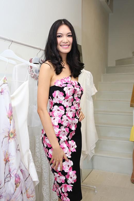 Chấm điểm những trang phục đụng hàng mới nhất của sao Việt