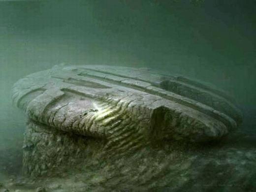 Baltic Anomaly là tảng đá phát hiện ở biển Baltic. Điểm kì lạ của nó là các bộ phát tín hiệu điện của thợ lặn sẽ ngừng hoạt động nếu cách tảng đá trong bán kính khoảng 200 mét.