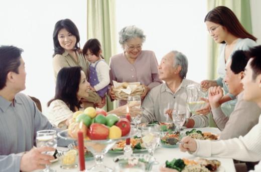"""""""Mưa thuận gió hòa"""" trong mối quan hệ của hai gia đình giúp tình cảm đôi bạn thân tiến xa hơn."""