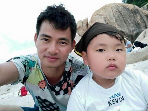 Khoảnh khắc siêu hài hước của Xuân Bắc bên con trai - Tin sao Viet - Tin tuc sao Viet - Scandal sao Viet - Tin tuc cua Sao - Tin cua Sao