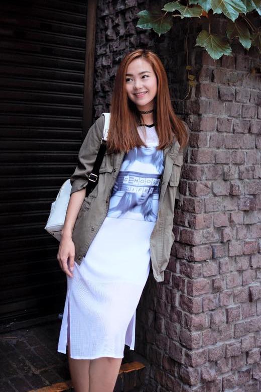 Phong cách thời trang đường phố của Minh Hằng ngày càng được nâng tầm bởi những chất liệu hợp xu hướng.
