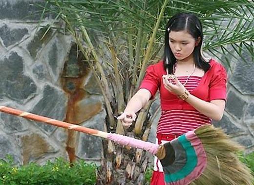 Cô phù thủyMa Ye Yethông minh trong phimGia đình phép thuật.