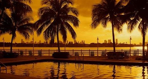 Miamilà một thành phố ở tiểu bang Florida, Hoa Kì. Miami là quận lị của quận Miami-Dade, và cũng là thành phố lớn nhất của vùng đô thị ở phía nam Florida.