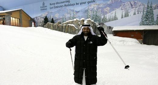 Ngay cả khu vực trượt tuyết nhân tạo y như thật cũng không phải là chuyện lạ đối với Dubai.