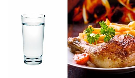Vừa ăn cơm vừa uống nước không tốt cho hệ tiêu hóa.