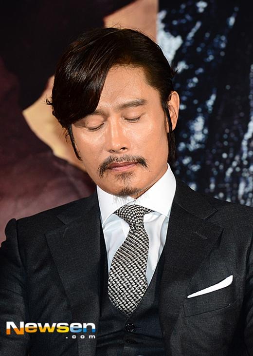 Lee Byung Hun ăn năn nhận lỗi sau vụ bê bối tình ái