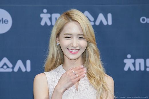 """Cư dân mạng """"ngả mũ"""" trước mái tóc từng gây tranh cãi của Yoona"""