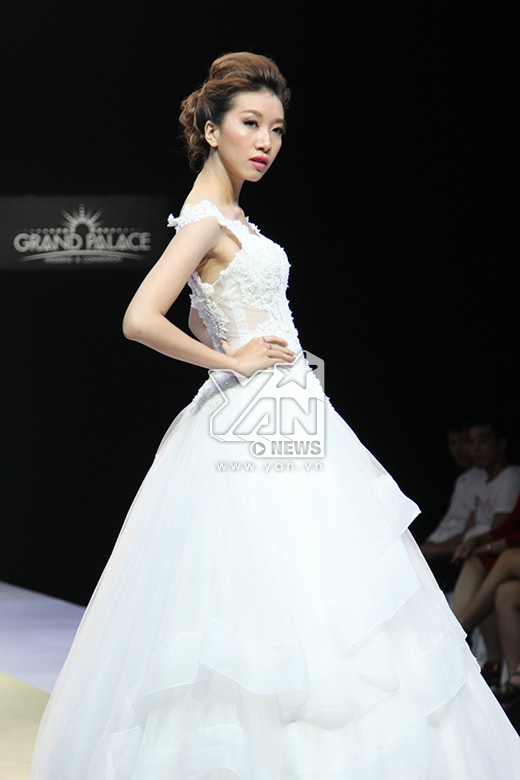 Người mẫu Phan Linh