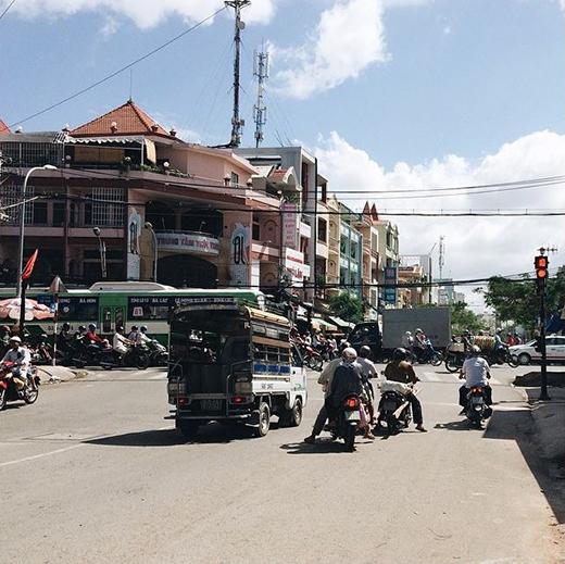 Sài Gòn bao nhiêu đèn đỏ? (Ảnh: IG minotanu)