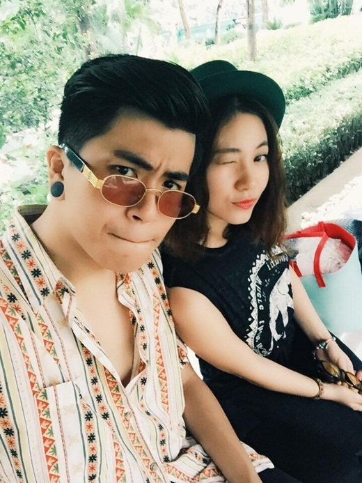 Ứng Duy Kiên hạnh phúc cùng bạn gái làm lễ Hằng Thuận