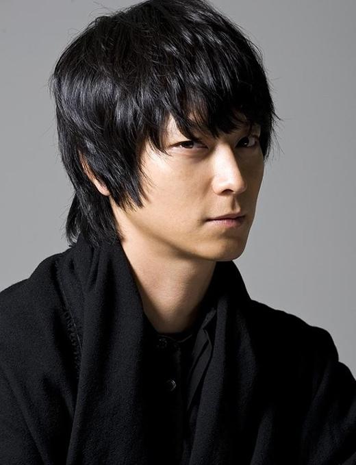 Jo Han Sun và Kang Dong Won cũng từng là cầu thủ bóng đá.