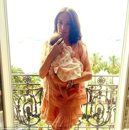 Hai tháng sau khi chào đời, Sophia đã du lịch đếnMarrakesh - một thành phố ở Maroc.