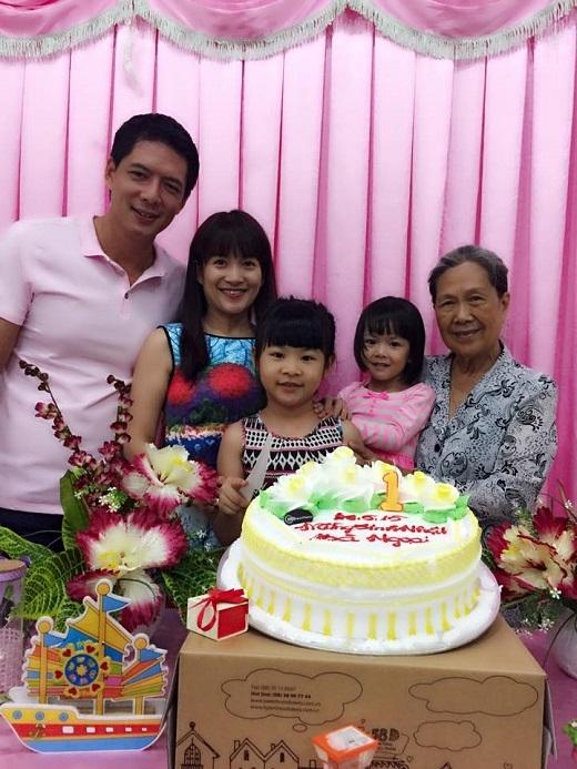 Gia đình nhỏ của Bình Minh trong bữa tiệc sinh nhật bà ngoại An Nhiên, An Như. - Tin sao Viet - Tin tuc sao Viet - Scandal sao Viet - Tin tuc cua Sao - Tin cua Sao