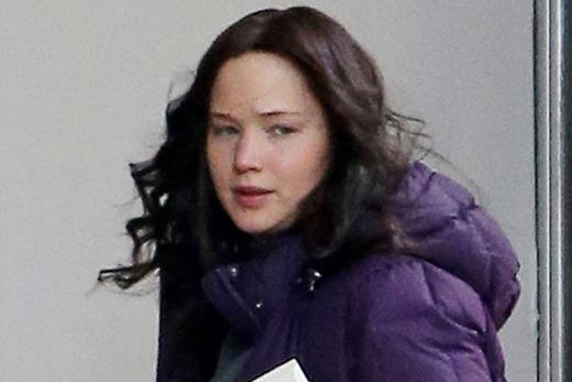 Jennifer Lawrence trông khá nhợt nhạt với gương mặt mộc của mình.