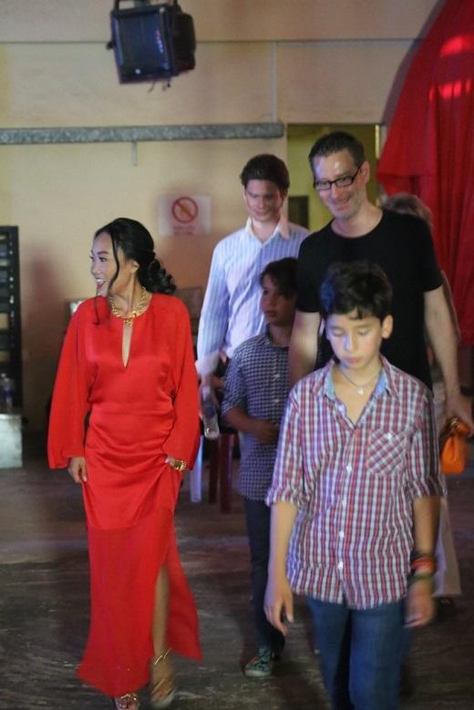 Chồng Đoan Trang cũng có mặt tại sự kiện. - Tin sao Viet - Tin tuc sao Viet - Scandal sao Viet - Tin tuc cua Sao - Tin cua Sao