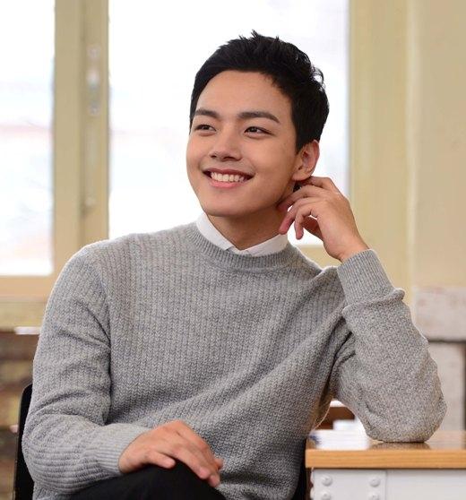 """Những tài năng phim ảnh """"chưa 25 đã vội nổi tiếng"""" xứ Hàn"""