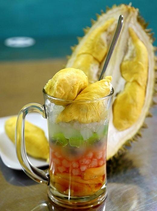 Chảy nước miếng với những món ăn bảy sắc cầu vồng ở Sài Gòn