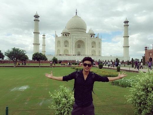 Hồ Quang Hiếucó mặt tại ngôi đền Taj Mahalnằm ở thành phố Agra bang Uttar Predesh. - Tin sao Viet - Tin tuc sao Viet - Scandal sao Viet - Tin tuc cua Sao - Tin cua Sao