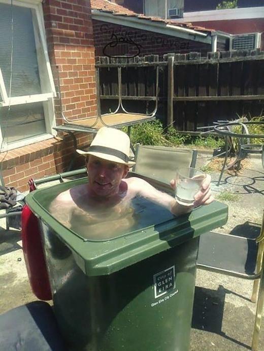 Cười nghiêng ngả với những bồn tắm tự chế siêu bá đạo
