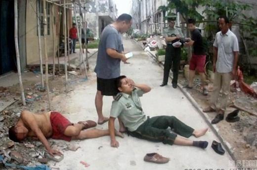 Viên cảnh sát choáng váng sau khi dùng thân mình làm lá chắn đỡ người đàn ông nhảy lầu tự tử.