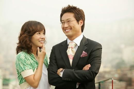 Cái kết lửng lơ của Lovers In Paris (2004) không làm ảnh hưởng đến sự yêu thích của khán giả dành cho cặp đôi Kim Jung Eun và Park Shin Yang.