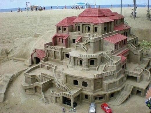 Nếu chụp gần một tí nữa thì chắc chắn không ai nhận ra đây là một khách sạn từ cát đâu.