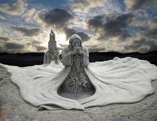 Đây cũng là một tác phẩm của hai nghệ sĩ Walter McDonald và William Lloyd ở cuộc thi Sandfest tại cảng Aransas, Texas.