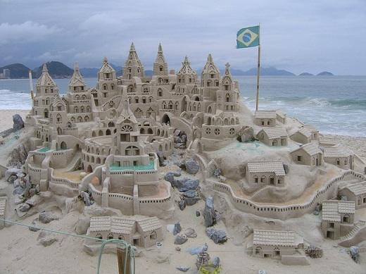 Ước gì có thể thu nhỏ lại và tham quan lâu đài hoành tráng này nhỉ?