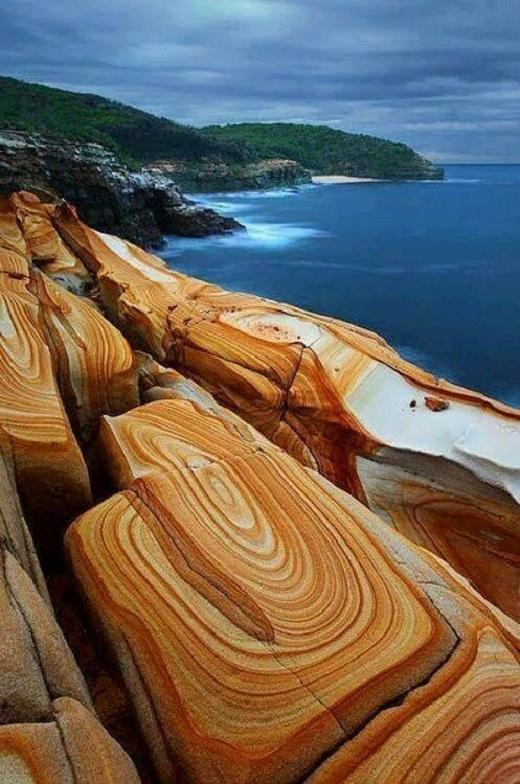 Những vân đá hoàn hảo này được đôi bàn tay khéo léo của thiên nhiên vẽ nên.