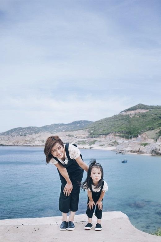 Nguyễn Thị Minh Tâm(SN 1991) và cô con gái nhỏYeJin(4 tuổi).