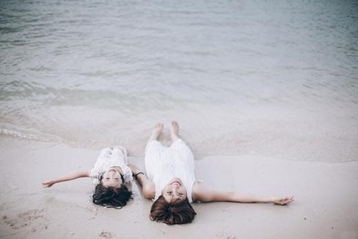 """""""Mình muốn mọi người biết rằng mình luôn vui và hạnh phúc bên cạnh thiên thần bé nhỏ. YeJin chính là điều quý giá nhất mà cuộc đời ban tặng mà mình không cần thêm bất cứ điều gì nữa"""" – Minh Tâm chia sẻ."""