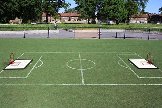 Sân bóng rổ không dành cho những người chân dài, chỉ cần bò-trườn-lê-lết giỏi.