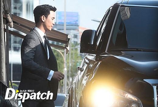 Loạt ảnh Kim Soo Hyun dự đám cưới Bae Yong Joon gây sốt